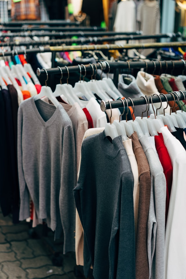 Conveniently store textiles